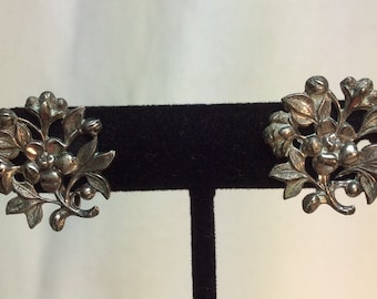 Sterling Flower Earrings. Vintage earrings