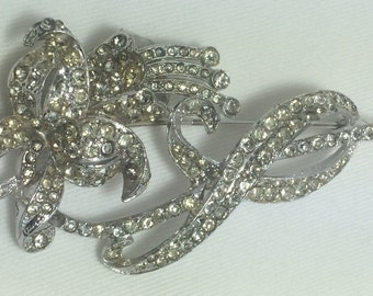 SALE !  Vintage Flower Clear Rhinestone Brooch