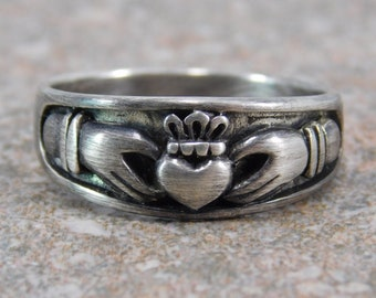 Claddagh Ring / Free Engraving Mens Heavy Sterling Silver Claddagh Ring / Half Sizes / Engagement Ring / Friendship Ring / mens claddagh