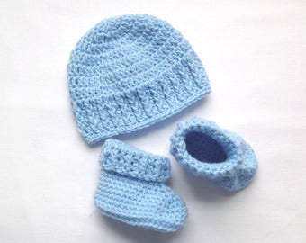 Baby Hat and booties set - Baby shower gift - Newborn to 3 months beanie - Newborn  booties - Crochet baby beanie - Infant crochet boots 49bfb49a9622