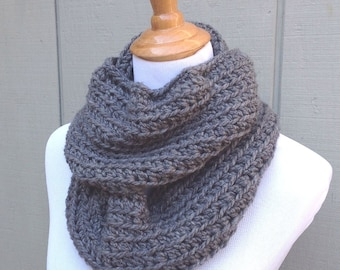 Chunky gray cowl - Crochet infinity scarf - Gray scarf - Womens circle scarf - Gift for women - Gift for teen girl