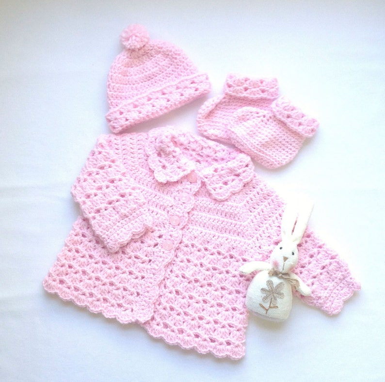 ddef47fcaaa3 Baby girl pink outfit 0 to 4 months Baby shower gift