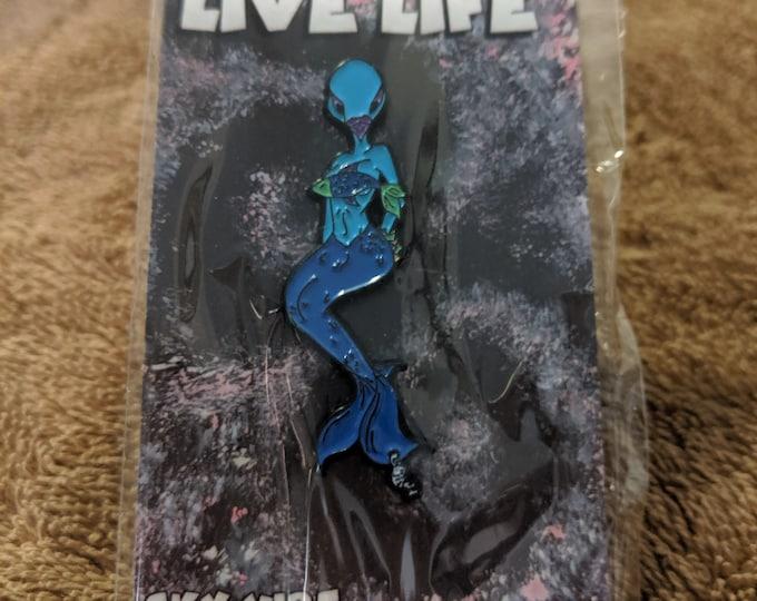 Live Life Mermaid Pigeon  Hatpin