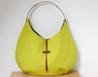 Sac à main rond style hobo en lin jaune citron avec anse en cuir, Sac porté épaule, Cabas lin jaune, Sac en tissu avec une anse, Sac hobo