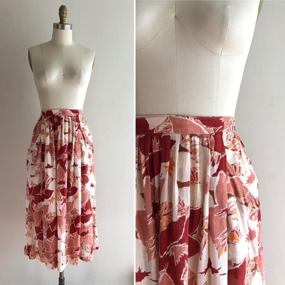 1970s floral skirt with pockets S/M ~ unusual wrap