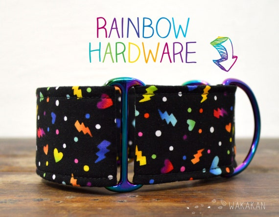 Martingale dog collar model Love the 90s. Adjustable and handmade with 100% cotton fabric. 90s vibes, rainbow, hearts. Wakakan