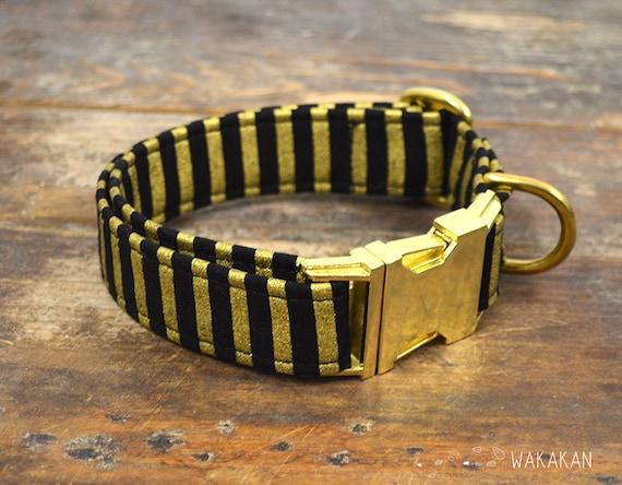 Cleo  dog collar. Adjustable and handmade with 100% cotton fabric. Black and metallic stripes. Wakakan