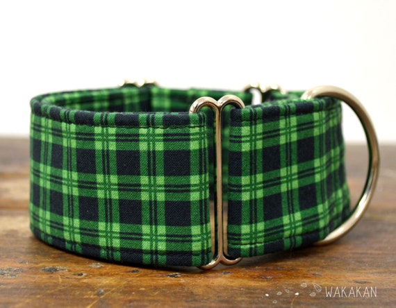 Martingale dog collar model St Patrick's . Adjustable and handmade with 100% cotton fabric. plaid green and black. Wakakan