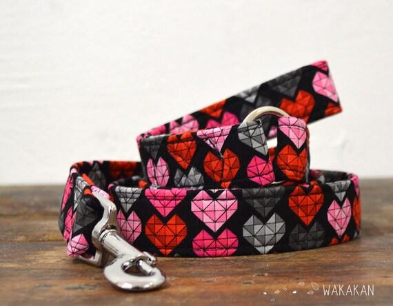 Leash for dog Modern Love . Handmade with 100% cotton fabric and webbing. hearts. Wakakan