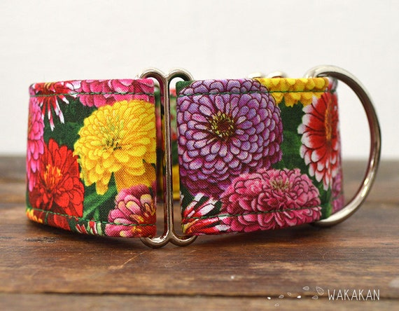 Martingale dog collar model Dahlia. Adjustable and handmade with 100% cotton fabric. flowers, summer time Wakakan