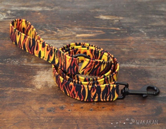 Leash for dog model Fire. Handmade with 100% cotton fabric and webbing. Two width available. Wakakan