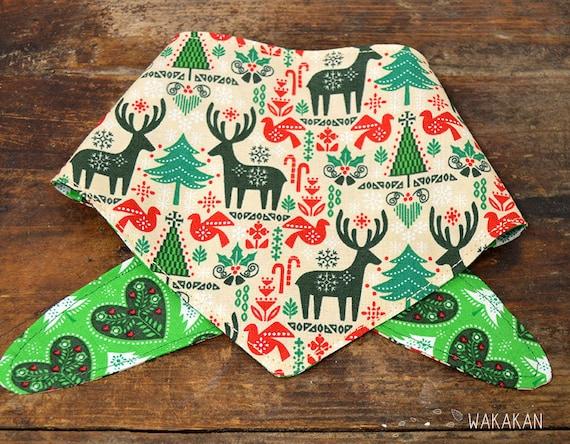 Tie-on reversible dog bandana model Reindeer. Handmade with 100% cotton fabric. Xmas tree, mistletoe . Wakakan