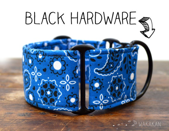 Martingale dog collar Blue Bandana. Adjustable and handmade with 100% cotton fabric. Blue parsley. Wakakan