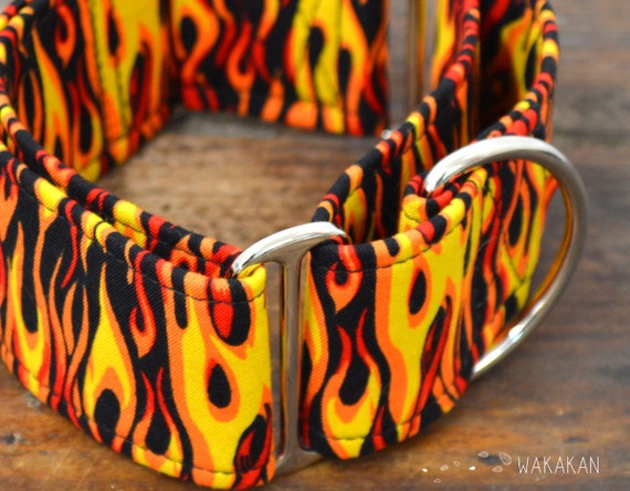 Martingale dog collar model Fire. Adjustable and handmade with 100% cotton fabric. Rock style Wakakan