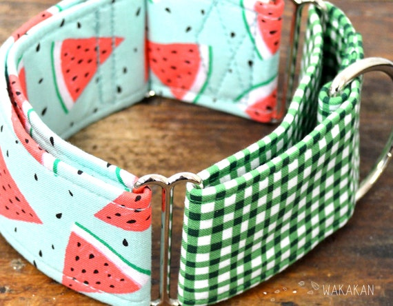 Martingale dog collar model Summer Day. Adjustable and handmade with 100% cotton fabric. Watermelon fruit Wakakan