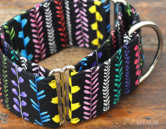 Martingale dog collar model Vines. Adjustable and handmade with 100% cotton fabric. Flowers in black background, Wakakan
