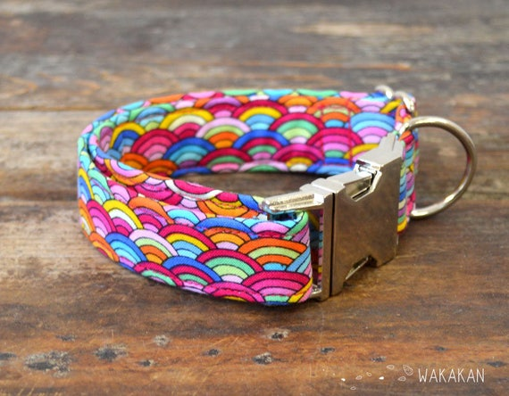 Scales dog collar adjustable. Handmade with 100% cotton fabric. Colorful fan pattern Wakakan