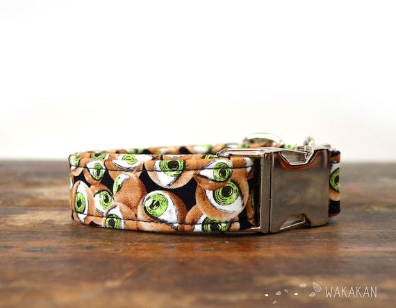 All Eyes on US dog collar. Adjustable and handmade with 100% cotton fabric. Halloween style, creepy eyes. Glow in the dark.. Wakakan