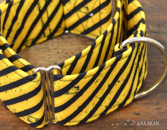 Martingale dog collar model Under Construction. Adjustable and handmade with 100% cotton fabric. Sign yellow black stripes Wakakan