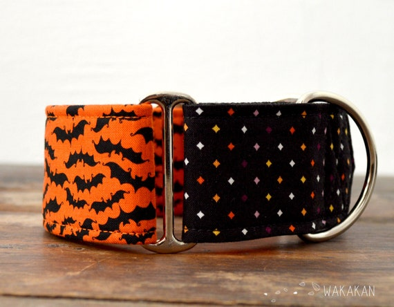 Martingale dog collar model Bat Time. Adjustable and handmade with 100% cotton fabric. Orange background Wakakan