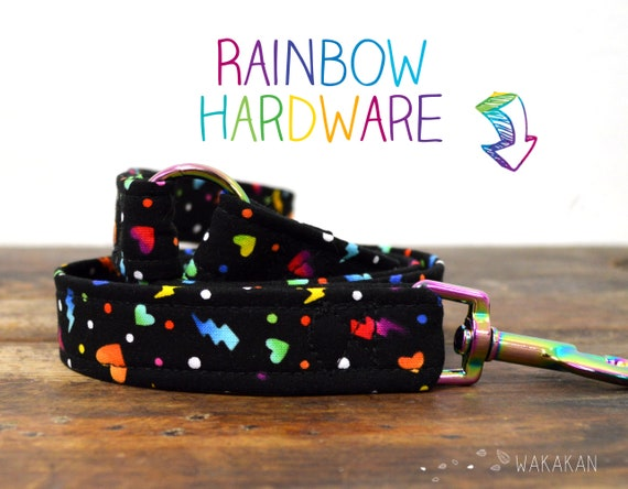 Leash for dog model Love the 90s. Handmade with 100% cotton fabric and webbing. Two width available. Wakakan