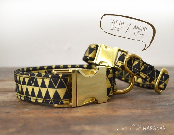 Gold Triangles dog collar. Adjustable and handmade with 100% cotton fabric. Black and metallic triangles. Wakakan