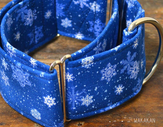 Martingale dog collar model Snowflakes. Adjustable and handmade with 100% cotton fabric. winter fabric. Wakakan