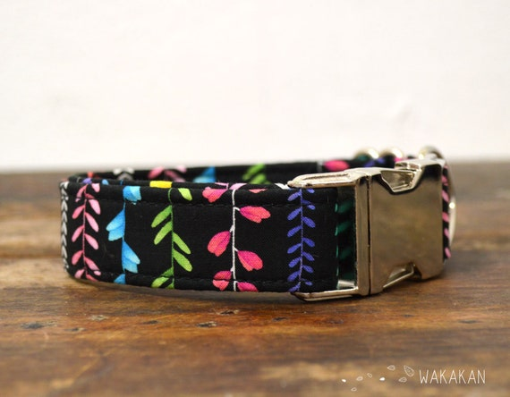 Vines dog collar. Adjustable and handmade with 100% cotton fabric. Flowerly design Wakakan