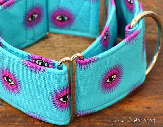Martingale dog collar model All Eyes On US . Adjustable and handmade with 100% cotton fabric. Eyes in turquoise Wakakan