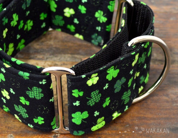 Martingale dog collar model Lucky Shamrock. Adjustable and handmade with 100% cotton fabric. Saint Patrick's. Wakakan