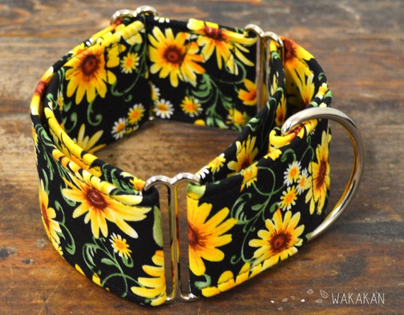 Martingale dog collar model Hello Daisy. Adjustable and handmade with 100% cotton fabric. flowers, summer time Wakakan