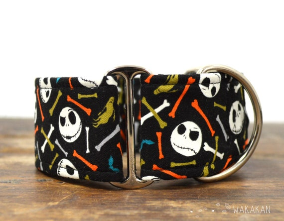 Martingale dog collar model Jack & Bones Color. Adjustable and handmade with 100% cotton fabric. Glow in the dark Wakakan