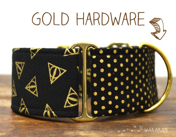 Martingale dog collar model Deathly Hallows. Adjustable and handmade with 100% cotton fabric. HP, gold Wakakan