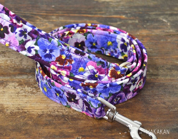 Leash for dog model Dream On. Handmade with 100% cotton fabric and webbing. Two width available. Wakakan