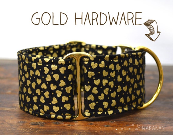 Martingale dog collar model Golden Hearts. Adjustable and handmade with 100% cotton fabric. Golden hearts Wakakan