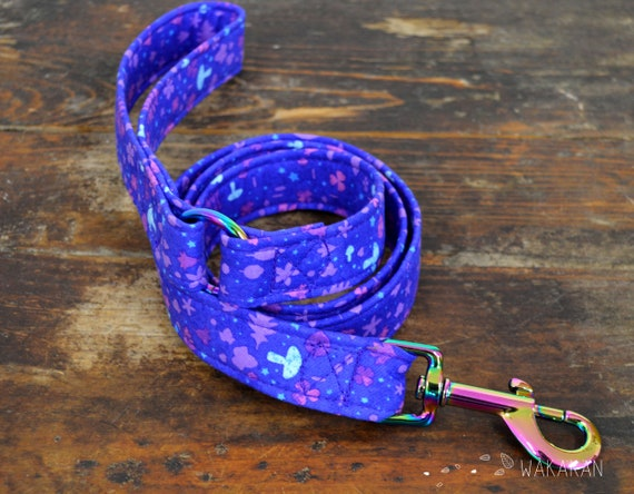 Leash for dog Magical. Handmade with 100% cotton fabric and webbing. Two width available. Wakakan