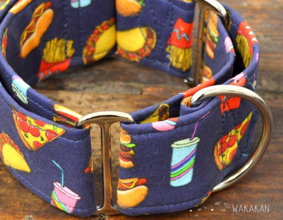 Martingale dog collar model Junk Food. Adjustable and handmade with 100% cotton fabric. French fries, taco, hotdog Wakakan