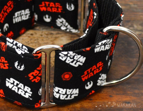 Martingale dog collar model Star Wars. Adjustable and handmade with 100% cotton fabric. Logo, letters, film, Wakakan