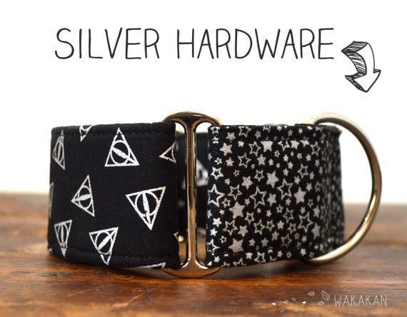Martingale dog collar model Deathly Hallows Silver. Adjustable and handmade with 100% cotton fabric. HP, Wakakan