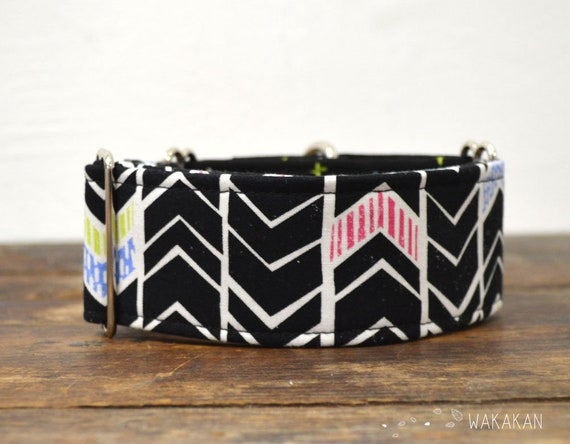 Martingale dog collar model I'm an Artist. Adjustable and handmade with 100% cotton fabric. Arrows. Wakakan