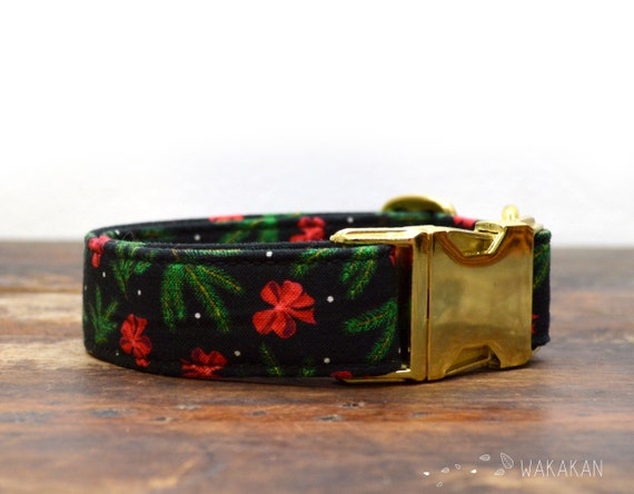 Pine Tree and Bows collar adjustable. Handmade with 100% cotton fabric. Winter, Xmas pattern. Wakakan