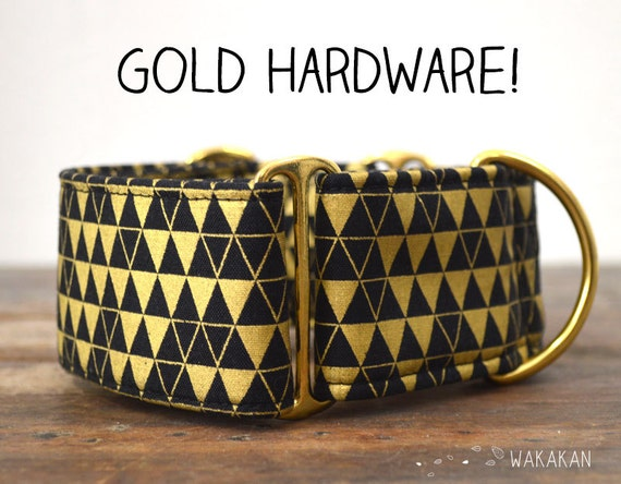 Martingale dog collar model Gold Triangles . Adjustable and handmade with 100% cotton fabric. metallic fabric. Wakakan