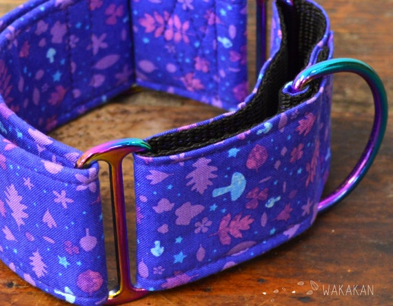 Martingale dog collar model Magical. Adjustable and handmade with 100% cotton fabric. Forest, fairy tale, mushrooms. Wakakan