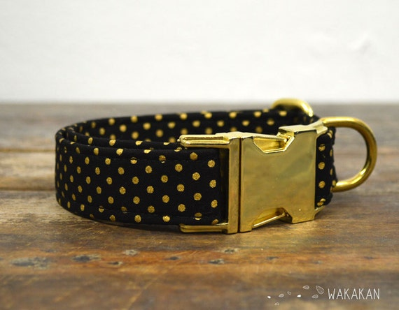 Black & Gold dog collar. Adjustable and handmade with 100% cotton fabric. Black and metallic polka dots. Wakakan