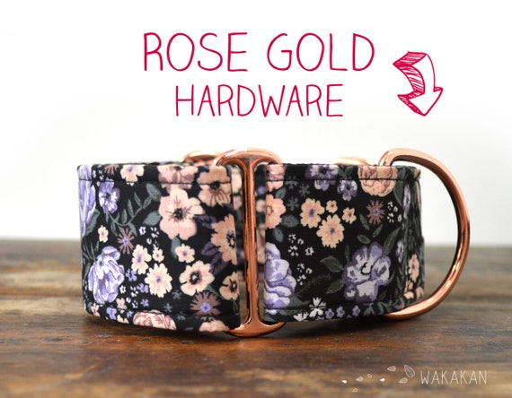 Martingale dog collar model Cottage. Adjustable and handmade with 100% cotton fabric. Flowers, roses, vintage, cottagecore. Wakakan