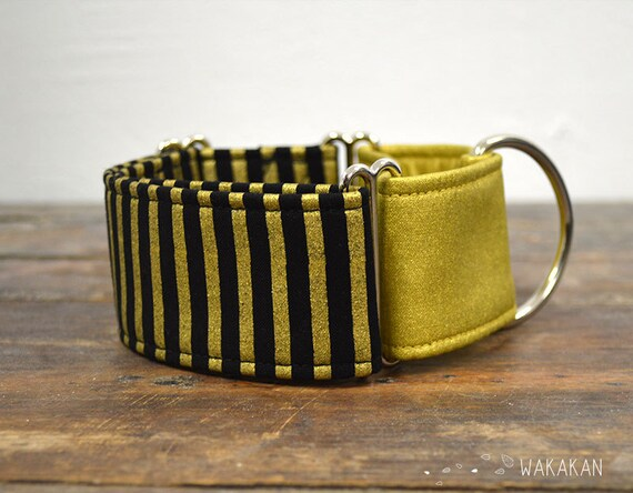 Martingale dog collar model Cleo. Adjustable and handmade with 100% cotton fabric. metallic stripes, gold and black. Wakakan