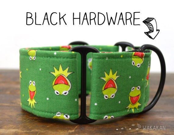 Martingale dog collar Kermit. Adjustable and handmade with 100% cotton fabric. Muppets. Wakakan