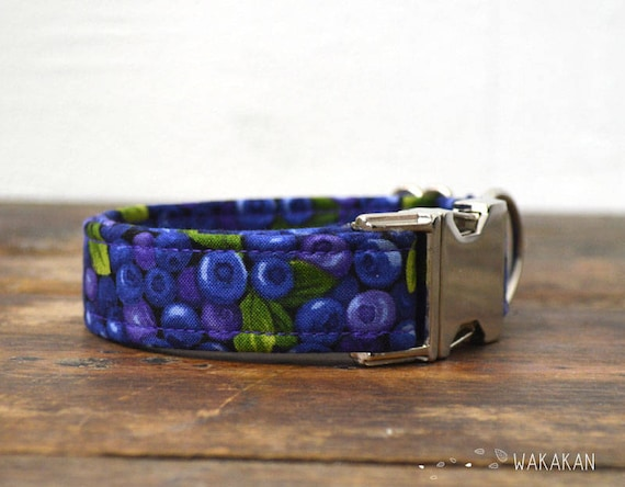 Blueberries dog collar adjustable. Handmade with 100% cotton fabric. fruity pattern, summer. Wakakan