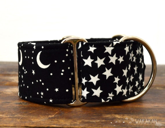 Martingale dog collar model Over the Moon. Adjustable and handmade with 100% cotton fabric. Glow in the dark. Wakakan