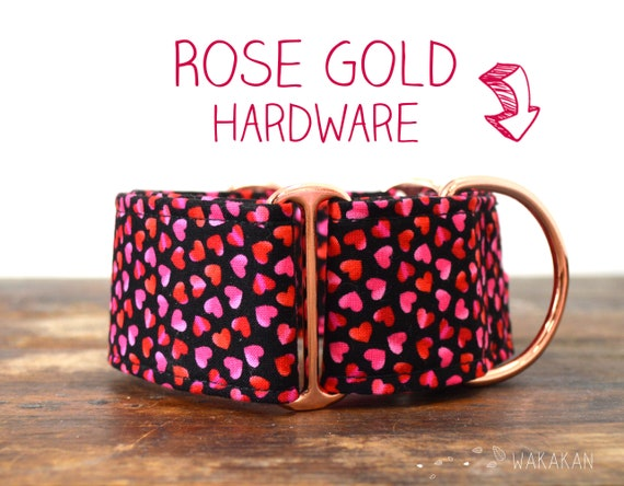 Martingale dog collar Pink Hearts. Adjustable and handmade with 100% cotton fabric. Tiny colorful hearts. Wakakan